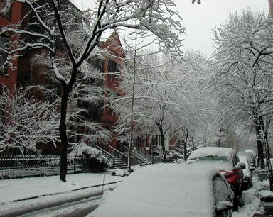 Brooklyn Heights in the snow April 7, 2003